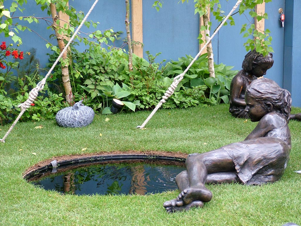 2004 for Garden pool ornaments