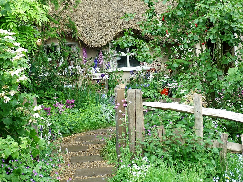 Ariel yve design friday flowers cottage gardens for Garden design ideas cottage
