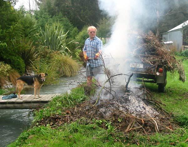 how to build a bonfire in garden