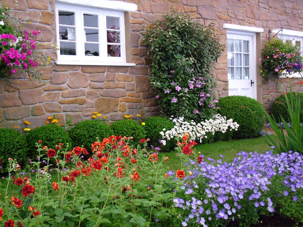 Beautiful Cottage Flower Garden