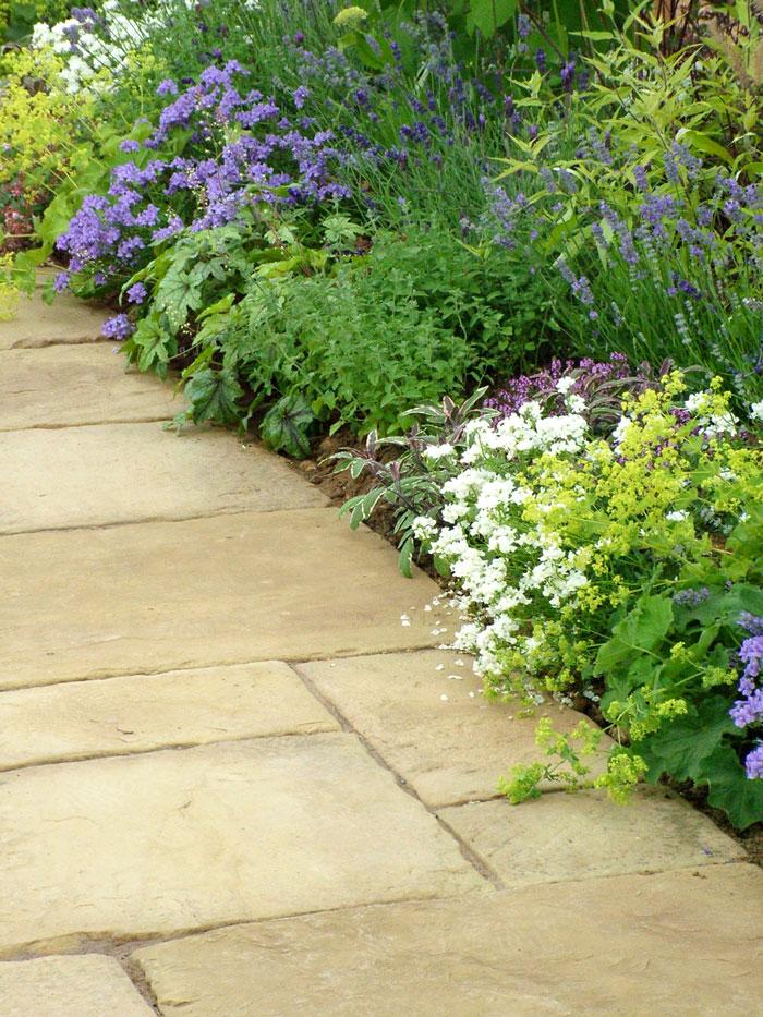 Hampton court flower show for Garden path stones