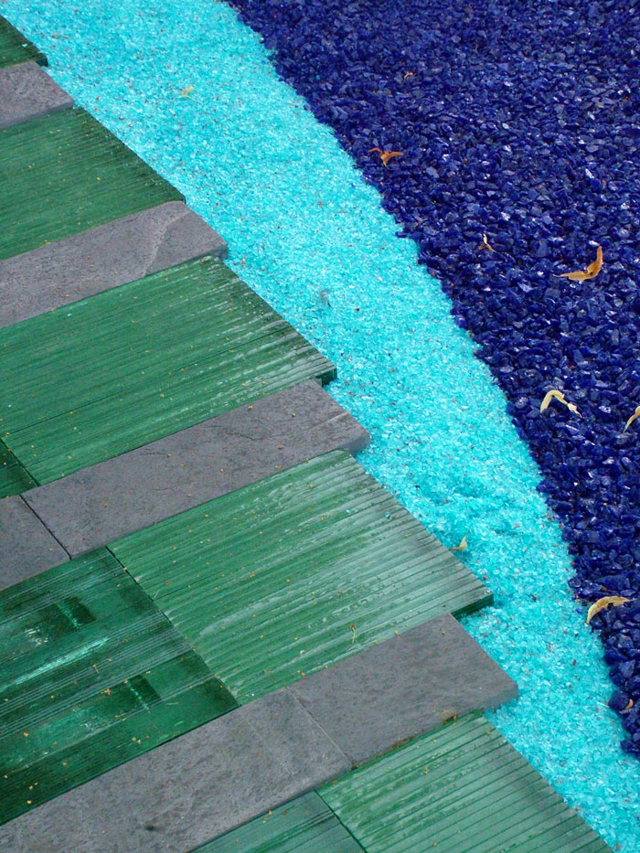 Hampton court flower show - Recycled glass for gardens ...